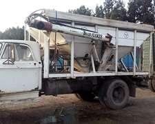 Camión Dodge Con Caja Fertilizadora Con Chimango