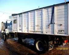 Camión Kodiak 14/190. Trabajando. Cerealero