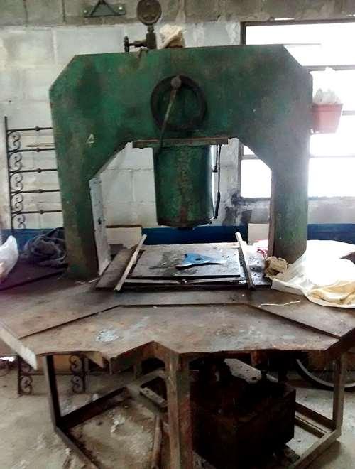 Prensa hidraulica 40 tn con mesa de trabajo metalica agroads - Mesa de trabajo metalica ...