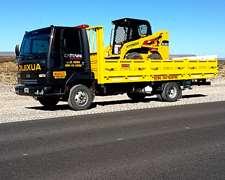 Camión Con Camilla Hidráulica Y Cargas Generales