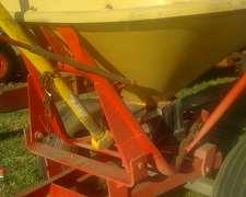 Fertilizadora Tanzi 1500 Kg. Excelente $ 32.000