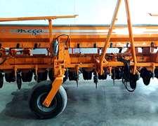 Sembradora Agrometal 13 Líneas A 52.5 Cm Restaurada A Nueva